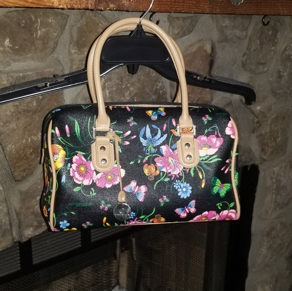 CL America Handbags - CL America purse with butterfly